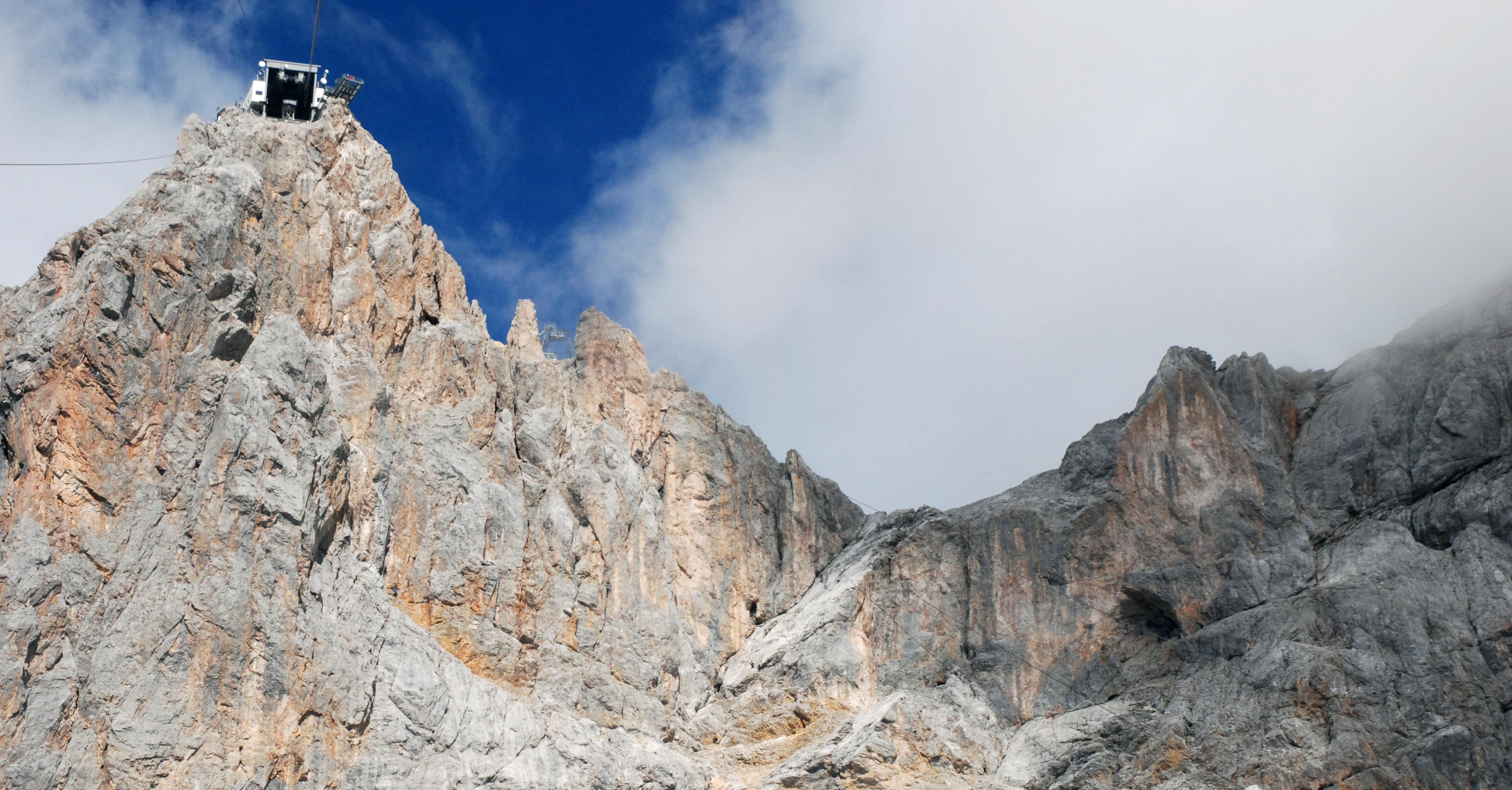 Klettersteigset Rot : Albert milde sky walk klettersteig