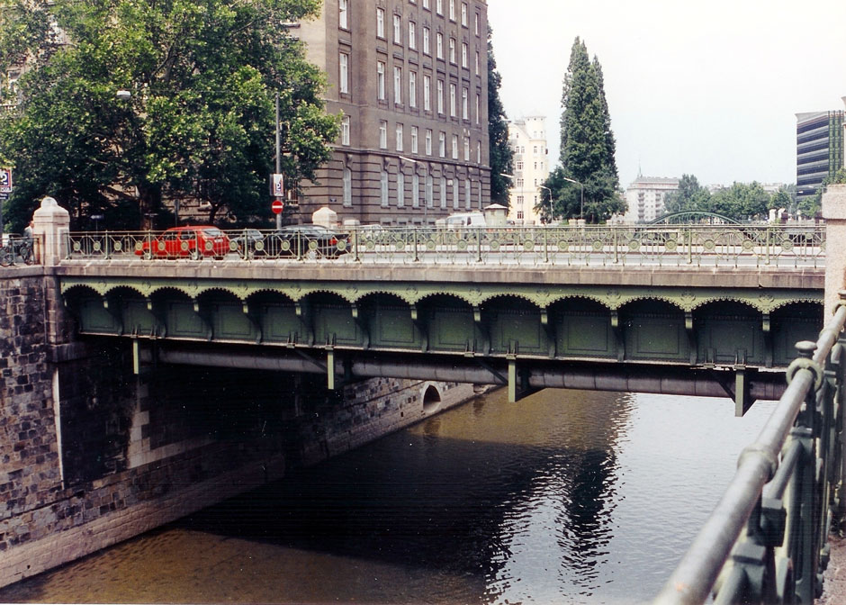 General view of the Small Marxer Bridge