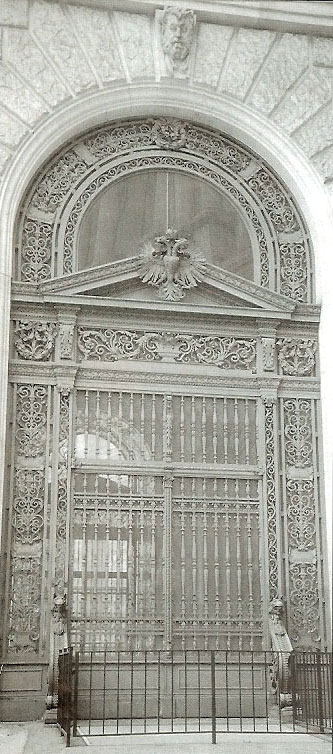 Entrance Gate of the New Hofburg on Heldenplatz (Heroic Square) made by Franz Knotz